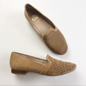 Crown Vintage Penelope Camel Perforated Flats 8